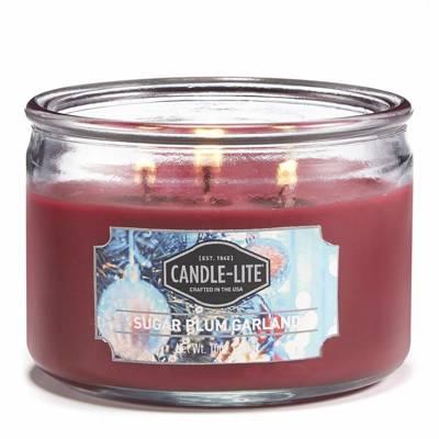 Candle-lite Everyday świeca zapachowa w szkle z trzema knotami 82/105 mm 283 g - Sugar Plum Garland
