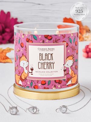 Charmed Aroma sojowa świeca zapachowa z biżuterią 12 oz 340 g Naszyjnik - Black Cherry